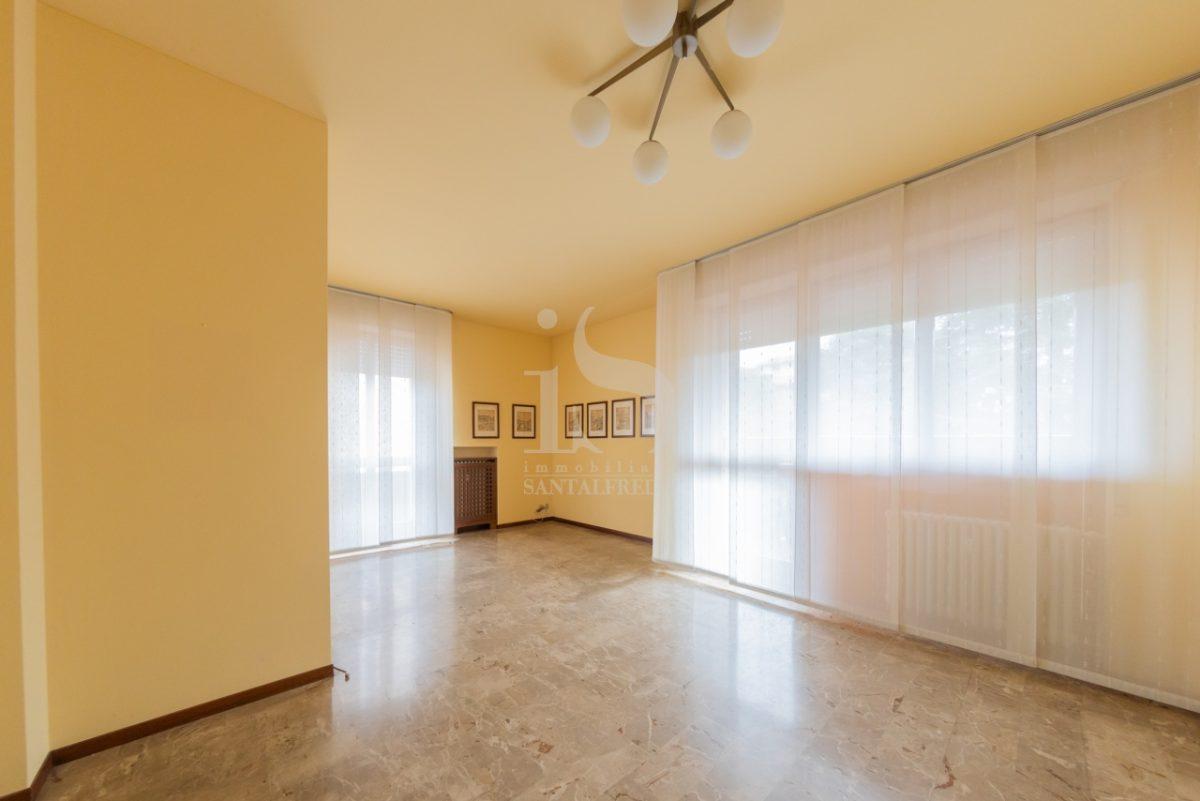 -vendita-7-soggiorno-2259802.jpg
