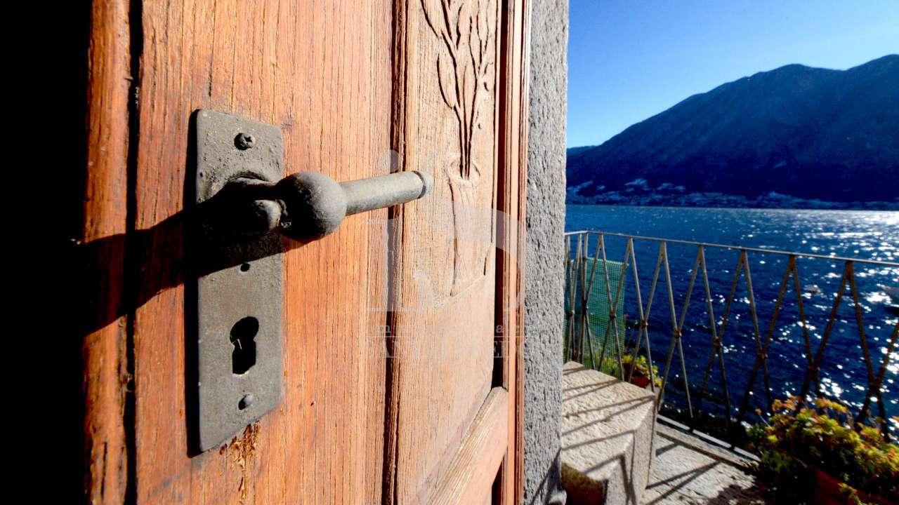 colonno-casa-indipendente–con-panorama-aperto-vista-lago-vendita-1–1538633.jpg