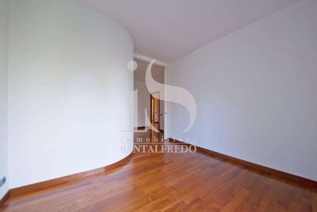 villa-singola-con-parco-privato-vendita-11-camera-da-letto-2052693.jpg