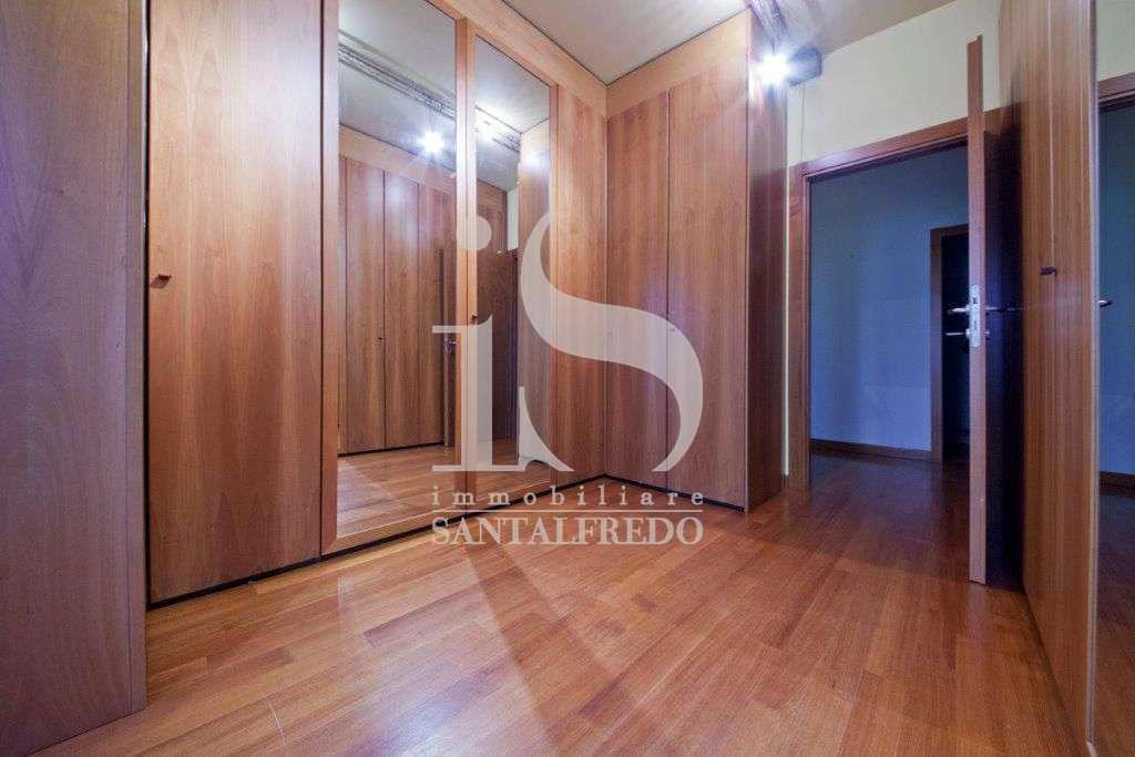 villa-singola-con-parco-privato-vendita-13-cabina-armadio-2052693.jpg