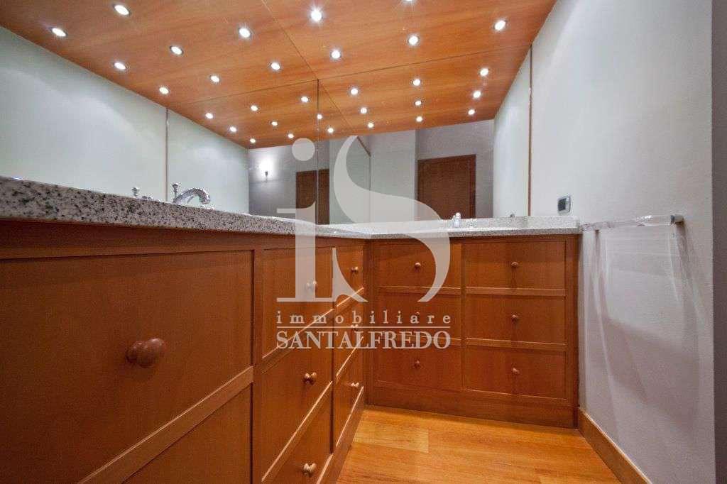 villa-singola-con-parco-privato-vendita-16-bagno-2052693.jpg