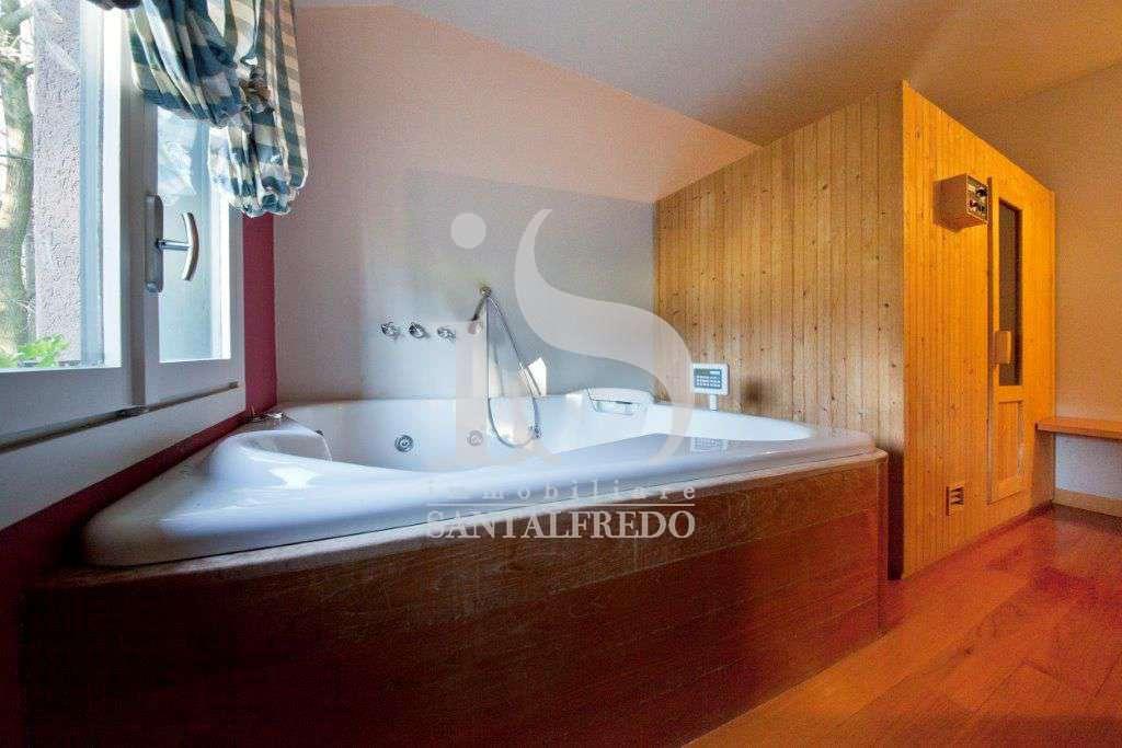 villa-singola-con-parco-privato-vendita-17-bagno-2052693.jpg