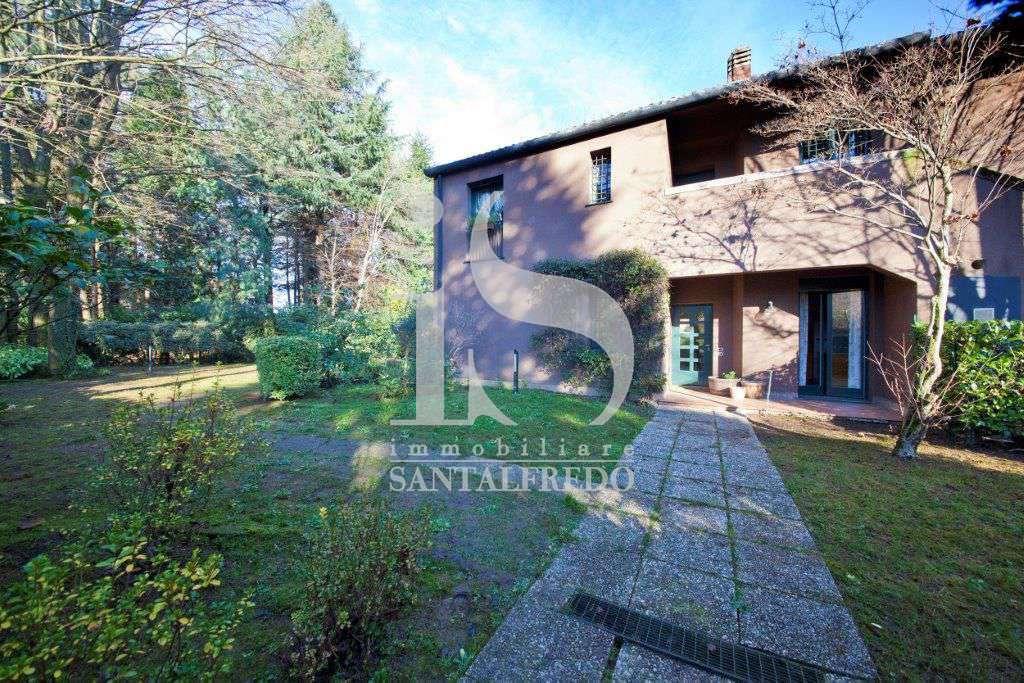 villa-singola-con-parco-privato-vendita-3-facciata-2052693.jpg