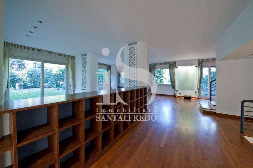 villa-singola-con-parco-privato-vendita-7-ingresso-2052693.jpg