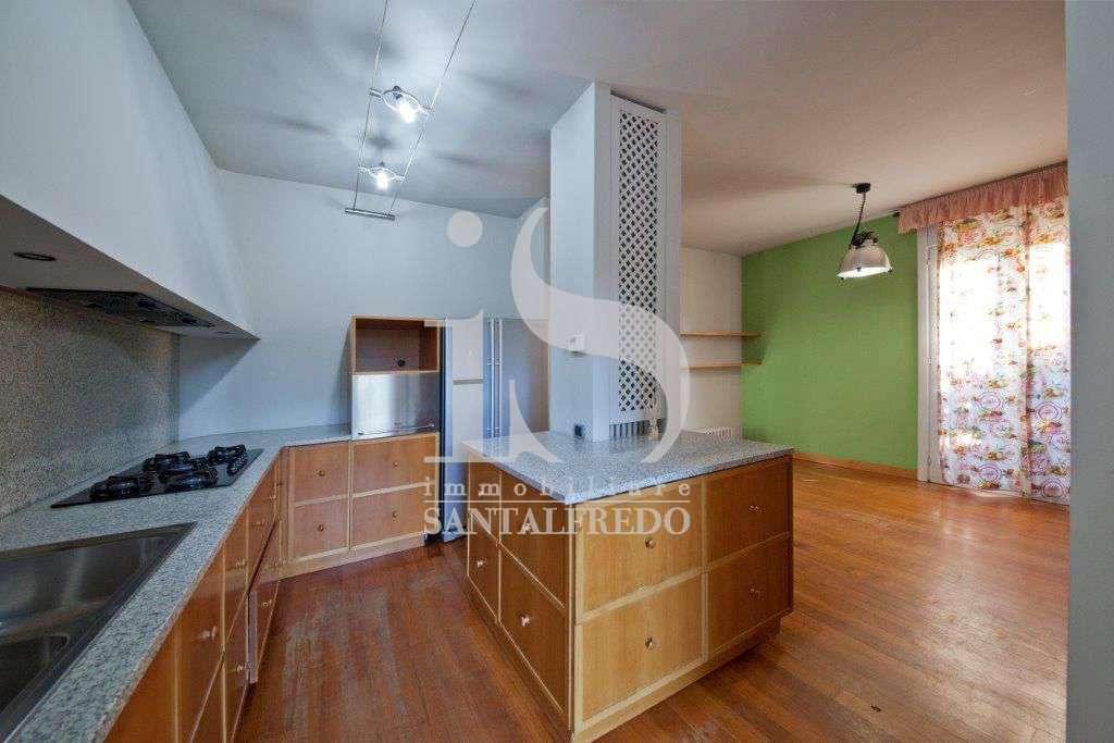 villa-singola-con-parco-privato-vendita-9-cucina-2052693.jpg