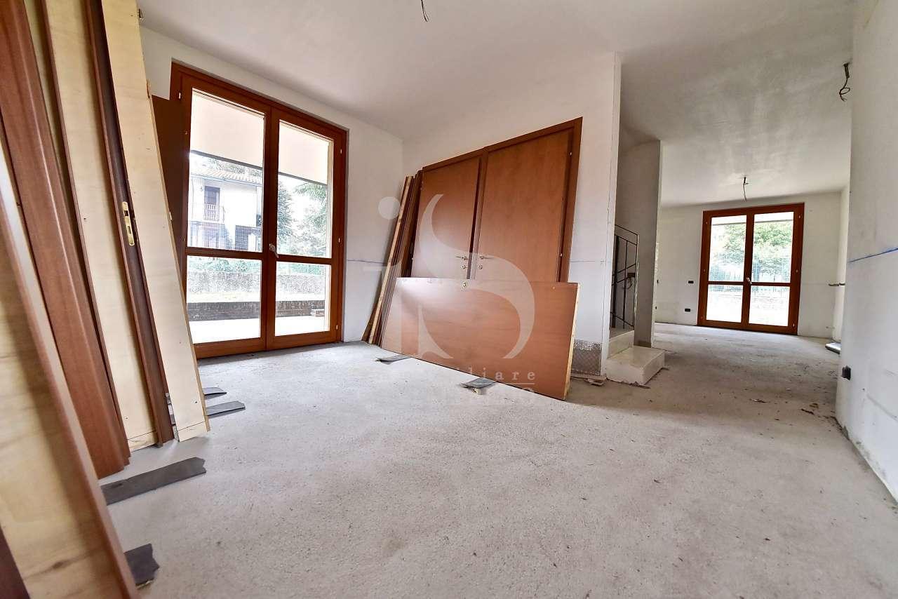 vimercate-nuova-villa-bifamiliare-pronta-consegna-vendita-9-salotto-2206978.jpg